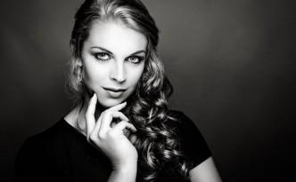 Janina Reichert Beauty Shooting Studio Titelbild